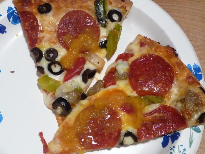 gunthers gourmet pineapple orange hot sauce on pizza