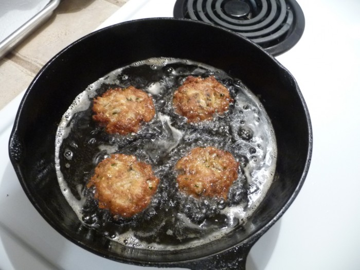 crab cake sliders pan frying
