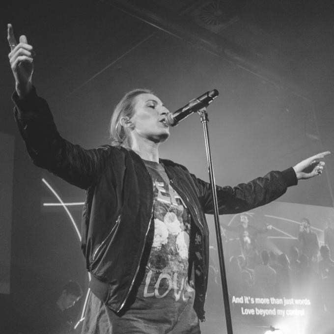 Standar Tim Penyembahan | Vokalis