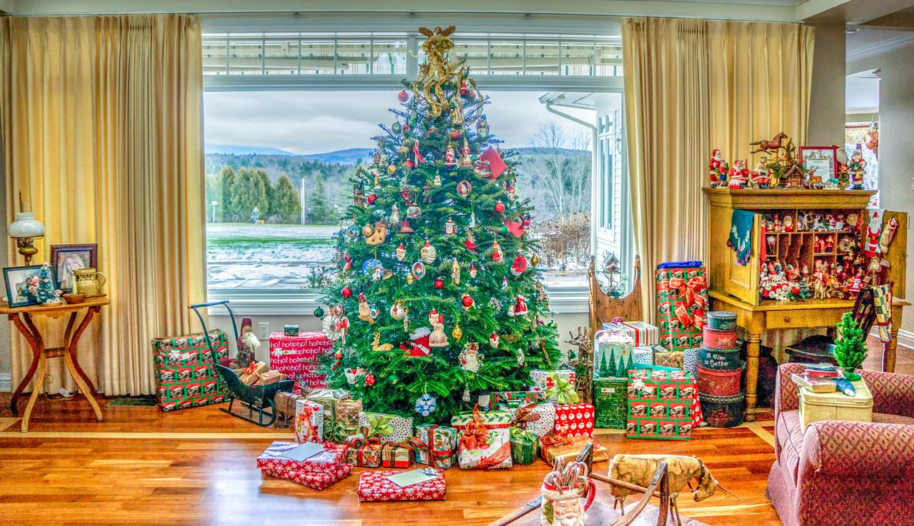 The Ultimate Home Christmas Decoration Guide
