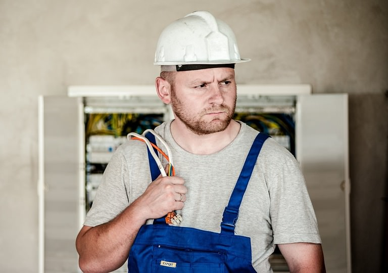 How much do electricians get paid?