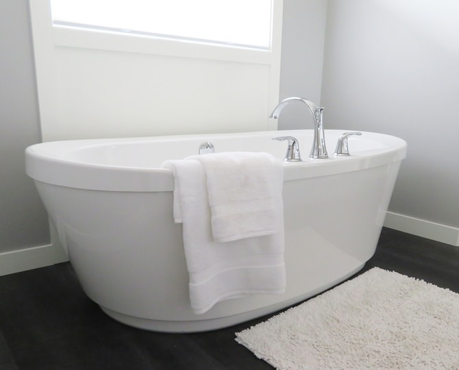 How to install a bathtub?