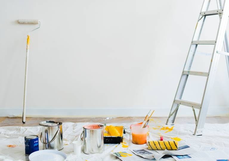 How much does it cost to paint the interior of a house?