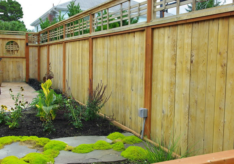 Choosing The Best Fence Paint Colours For Your Home