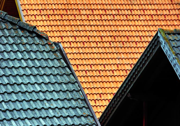 How to calculate the cost of roof painting?