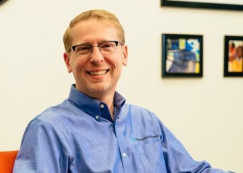 HudsonAlpha's Neil Lamb receives national science communicator award