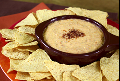 HG's Gooey-Good Queso Dip 'n Chips