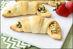 Hungry Girl's Veggie-Scramble Crescent Puffs