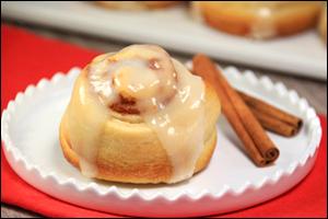 Hungry Girl's Bacon Swirl Cinnamon Rolls