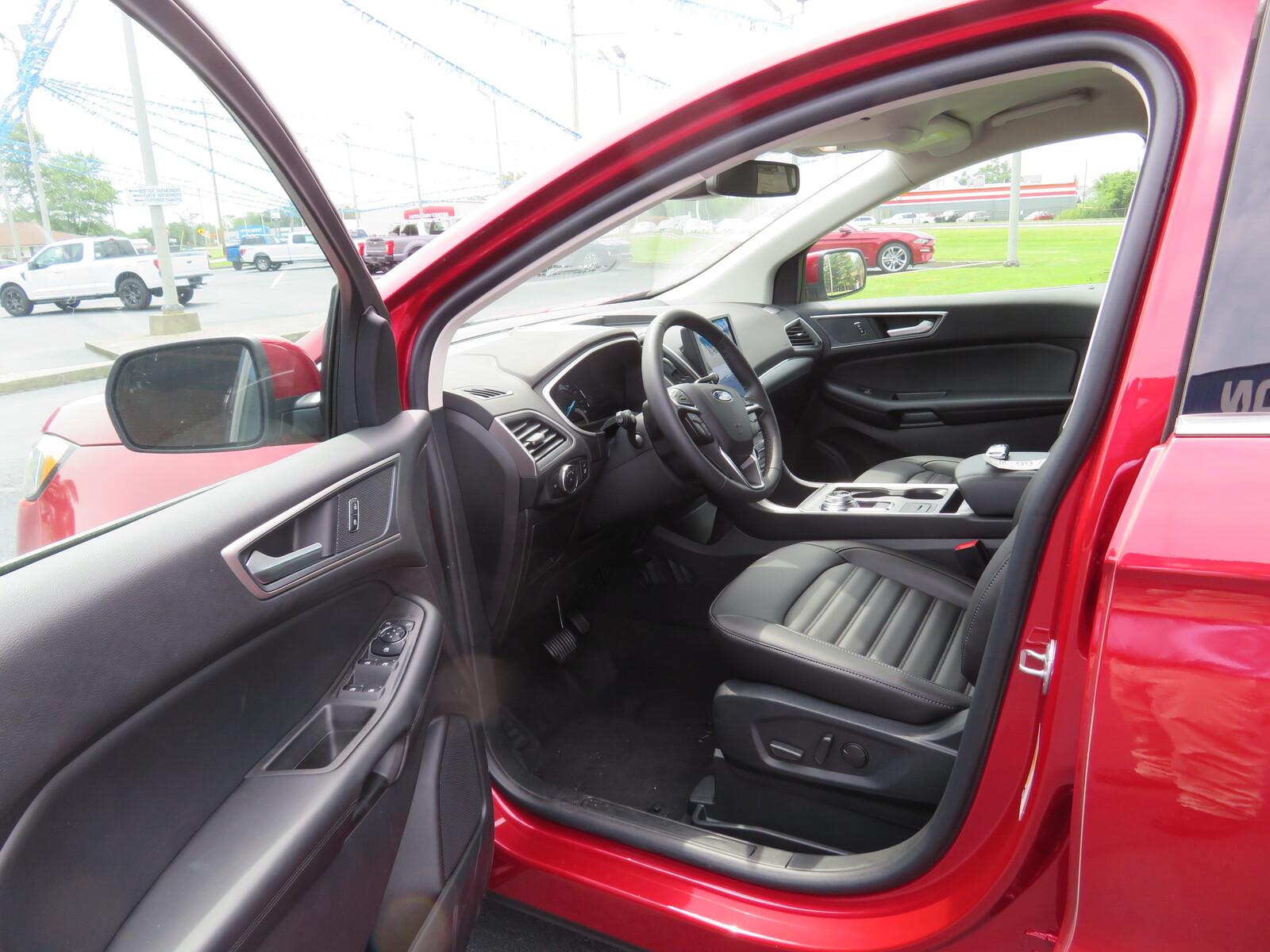 New 2021 Ford Edge SEL AWD