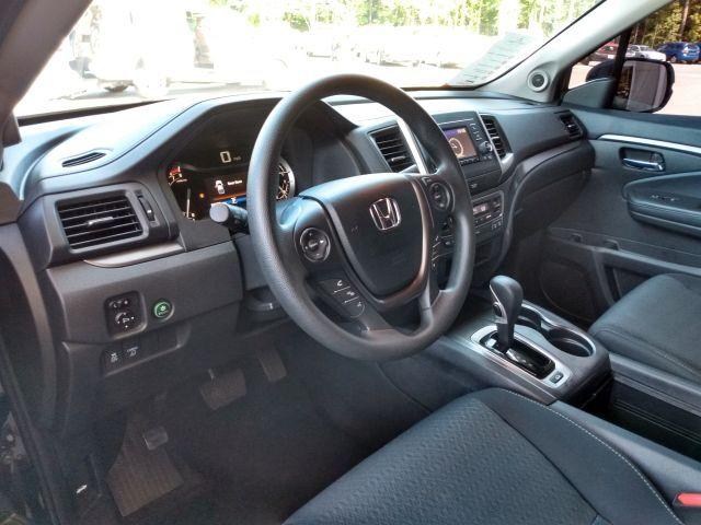 2019 Honda Ridgeline Sport AWD Crew Cab Pickup  9
