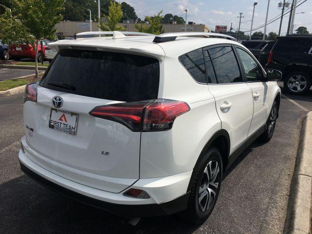 2018 Toyota RAV4 LE FWD SUV  7
