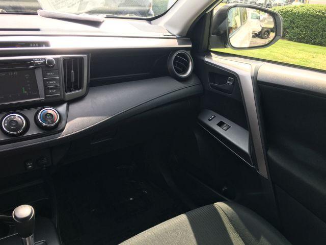 2018 Toyota RAV4 LE FWD SUV  15