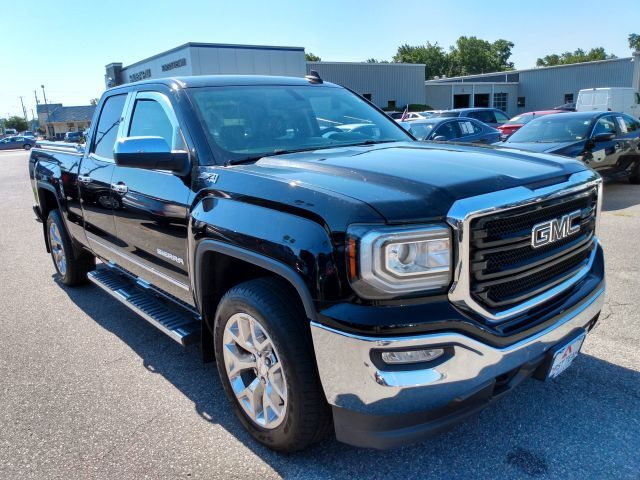2017 GMC Sierra 1500 4WD Double Cab 143.5 SLT Extended Cab Pickup  4