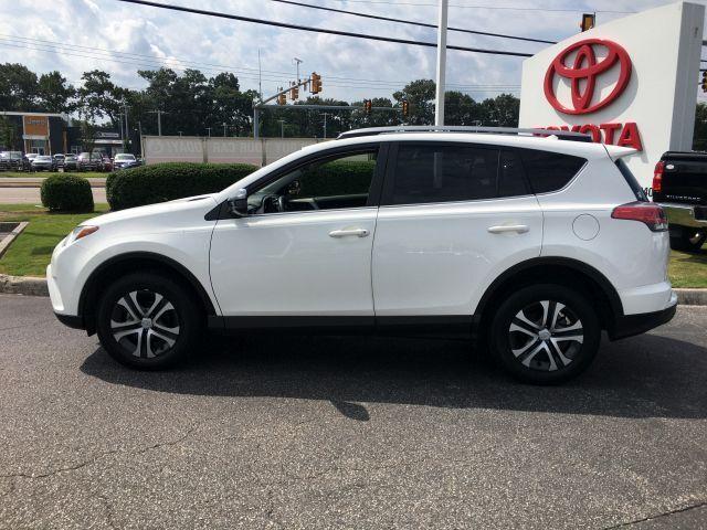2018 Toyota RAV4 LE FWD SUV  12