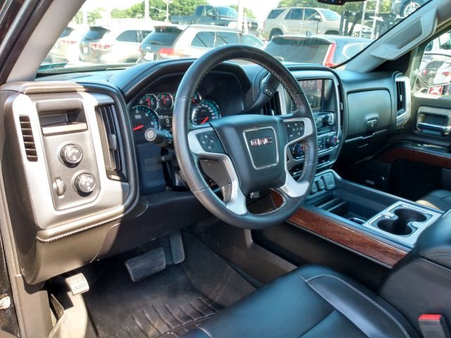 2017 GMC Sierra 1500 4WD Double Cab 143.5 SLT Extended Cab Pickup  8