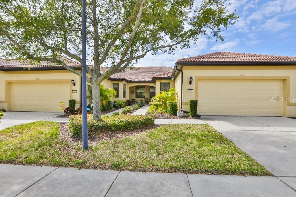 316 BLUEWATER FALLS COURT