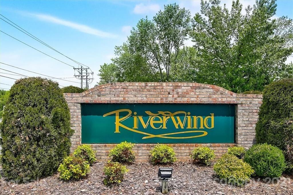 504 Riverwind Drive