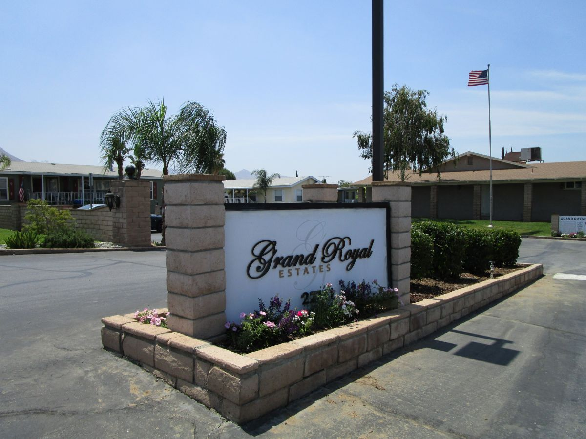 Grand Royal Estates Hometown America