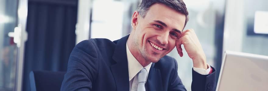 Quais são os benefícios do sorriso no trabalho