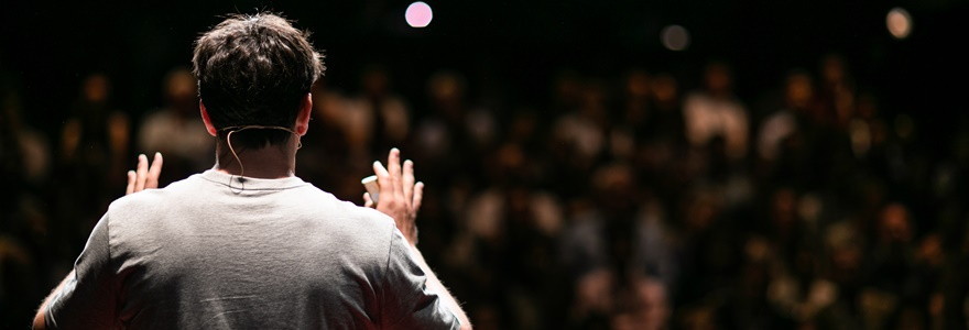 Como perder o medo de falar em público?