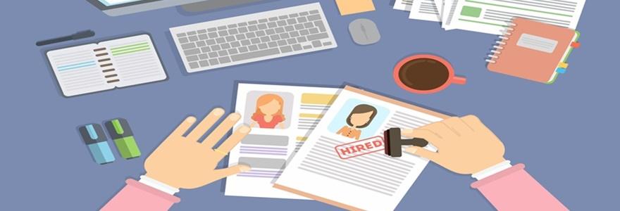 Como identificar e melhorar os pontos fortes e fracos de uma entrevista de emprego?