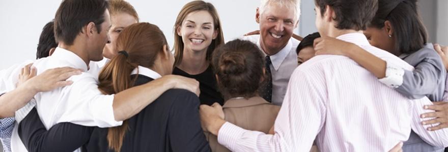 Saiba Porque A Dinâmica Do Abraço Pode Ser O Toque Que Falta