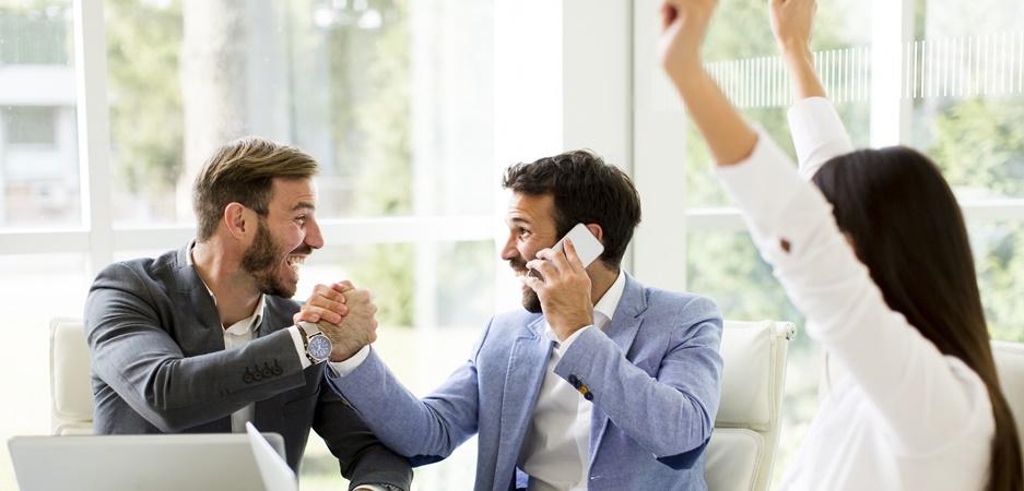 13 dicas de como melhorar a relação com os colegas e ser bem-humorado no trabalho