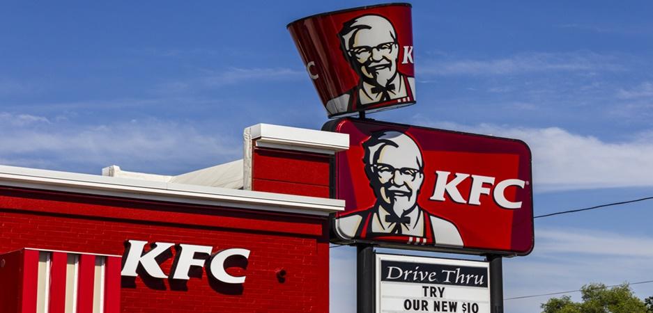 Nunca é tarde para alcançar o sucesso! Conheça a história do KFC Coronel Sanders, dono do KFC