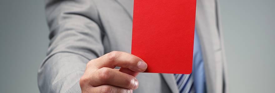 Conheça 2 tipos de advertência para funcionário e se é válido aplicá-las