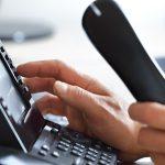 Como abordar um cliente por telefone