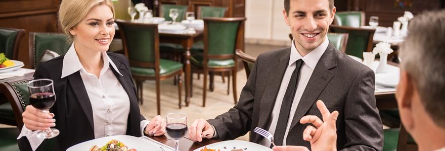Como e quando devo fazer um jantar de negócios