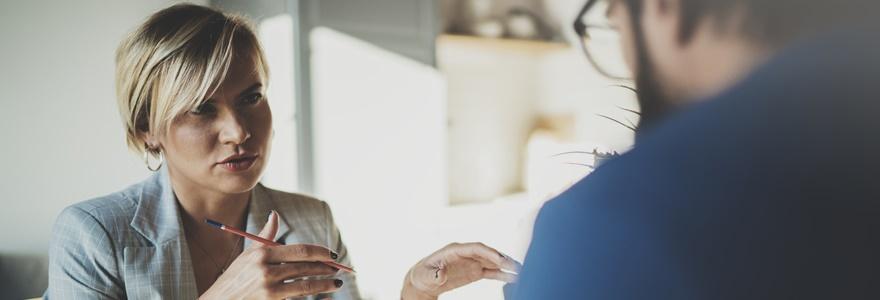 Como iniciar uma conversa de negócios e falar com clareza?