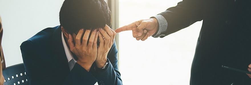Advertência no trabalho: quais os casos que são obrigatórios a empresa usar?