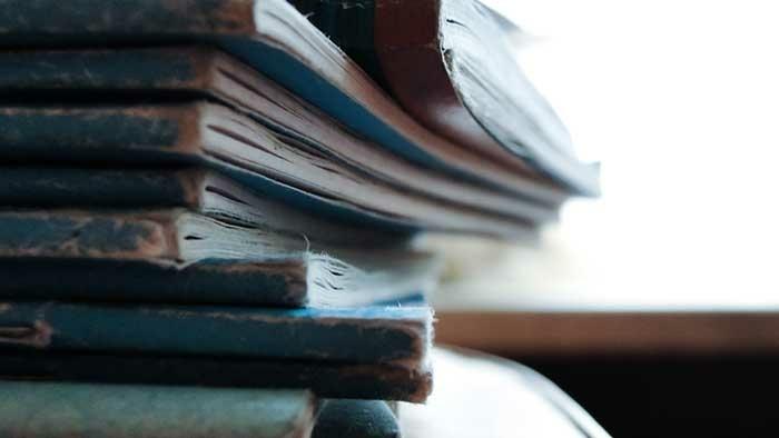 Books 700X394