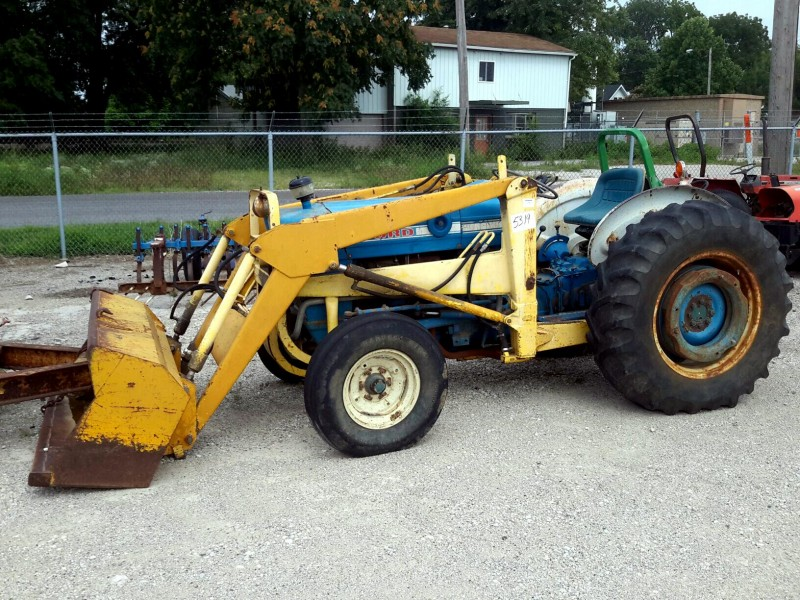 Ford 3000 Loader : Ibid lot ford tractor w end loader attachment