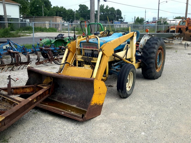 3000 Ford Tractor Backhoe Attachment : Ibid lot ford tractor w end loader attachment
