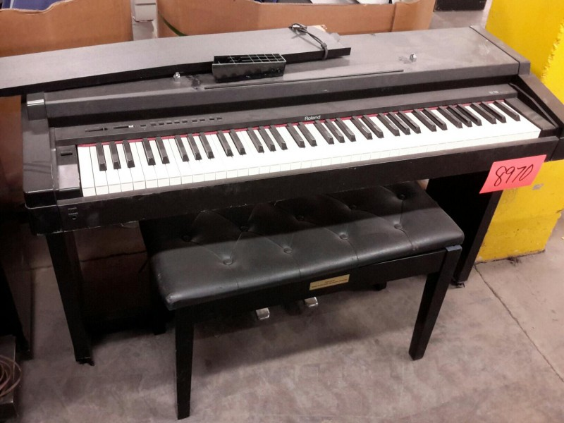 ibid lot 8970 roland model hp 900 digital piano w bench. Black Bedroom Furniture Sets. Home Design Ideas