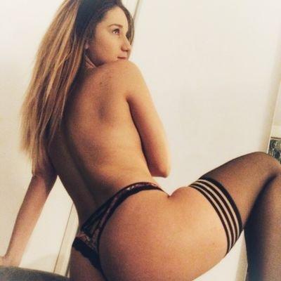 @Amber_Hills94