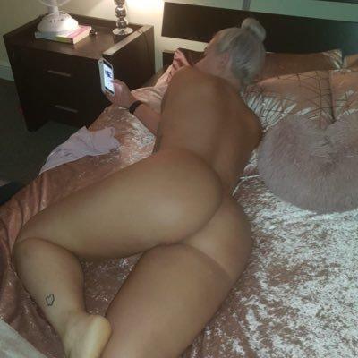 @AmyLouu_ox