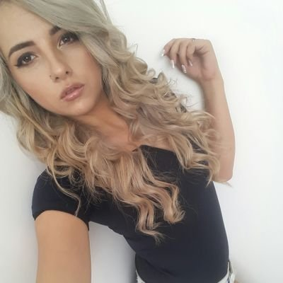@Amy_Wood_x