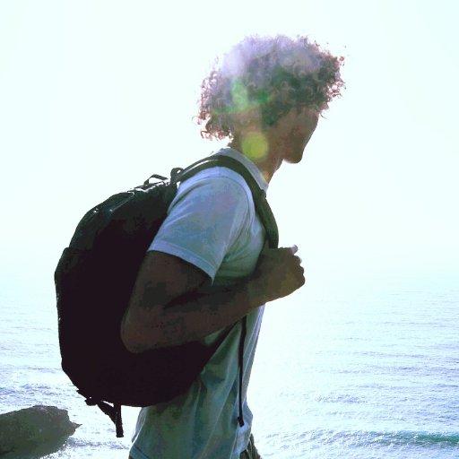@Hostel_Traveler