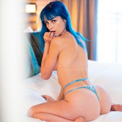@jewelz_blu