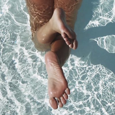 @nika_feet