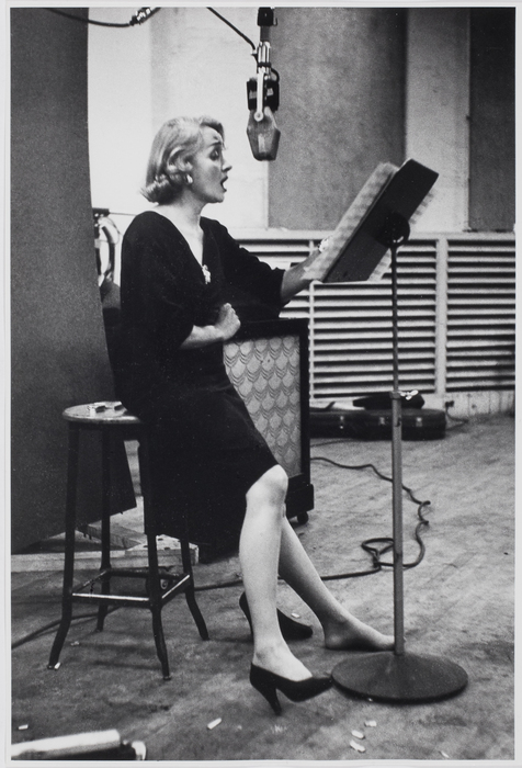 Marlene Dietrich recording Lili Marlene