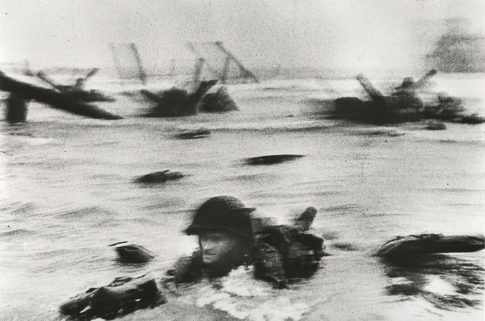 [American troops landing on Omaha Beach, D-Day, Normandy, France]