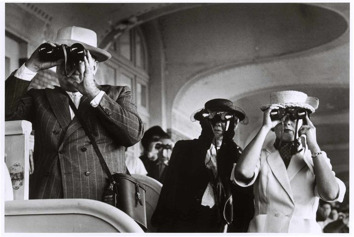 [Watching the horse races with binoculars, Deauville, France]