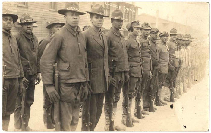 [Group of Unidentified Soldiers]