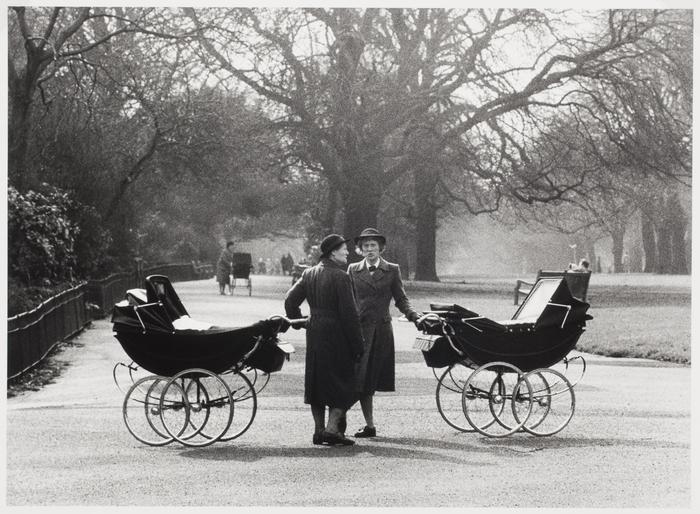 [Nannies in Kennsington Garden, England]
