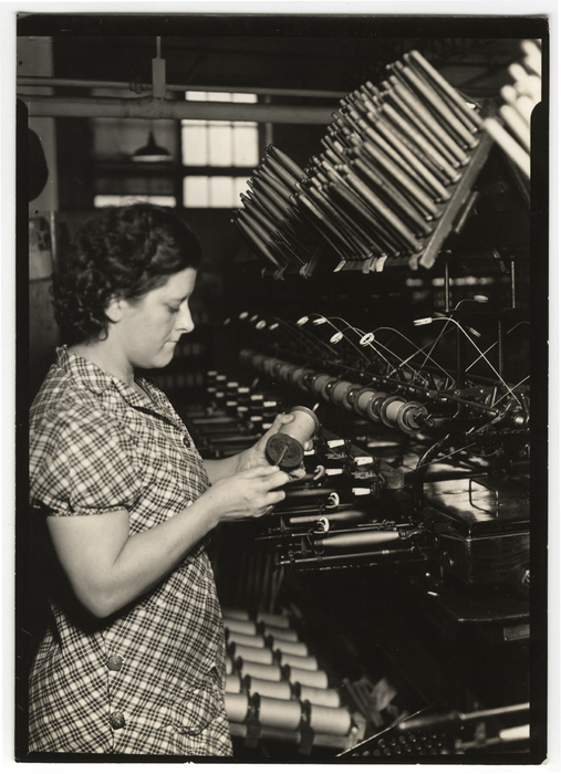 [Worker with quiling crepe, William Skinner and Sons, Holyoke, Massachusetts]